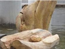 含真治彫刻展「いきもののかたちとは木、結晶」